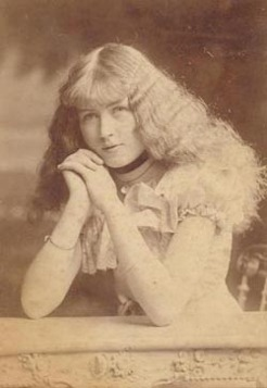 Ruby Lindsay, by Richards & Co, 1900s