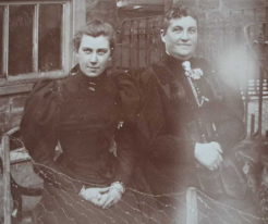 Jane Terry, (right), with her daughter Florence, c.1871
